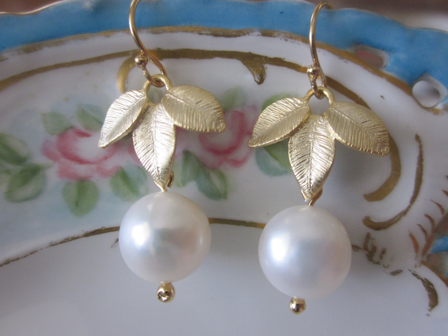 White Freshwater Round Pearl Earrings Gold Three Leaf  Bridesmaid Earrings   Bridal Earrings